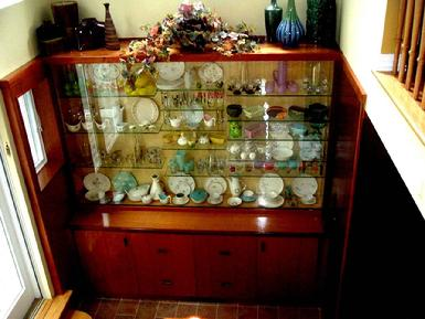 China cabinet to fit in limited space